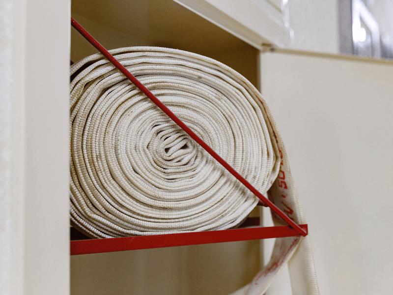 屋内消火栓の設置費用は?設置基準や安く抑える方法を紹介!