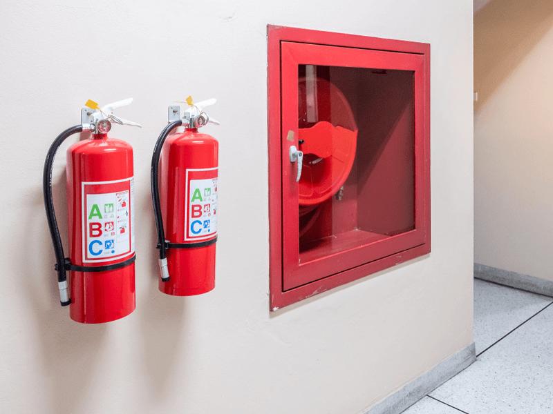 泡消火設備の設置費用・相場!方式は5種類?水との違いなど!